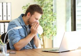 Tos alérgica: respira un aire interior de calidad para prevenirla