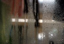 Cómo evitar la condensación de vapor de agua en tu hogar