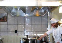 Campanas extractoras industriales, normativa y usos para tu negocio